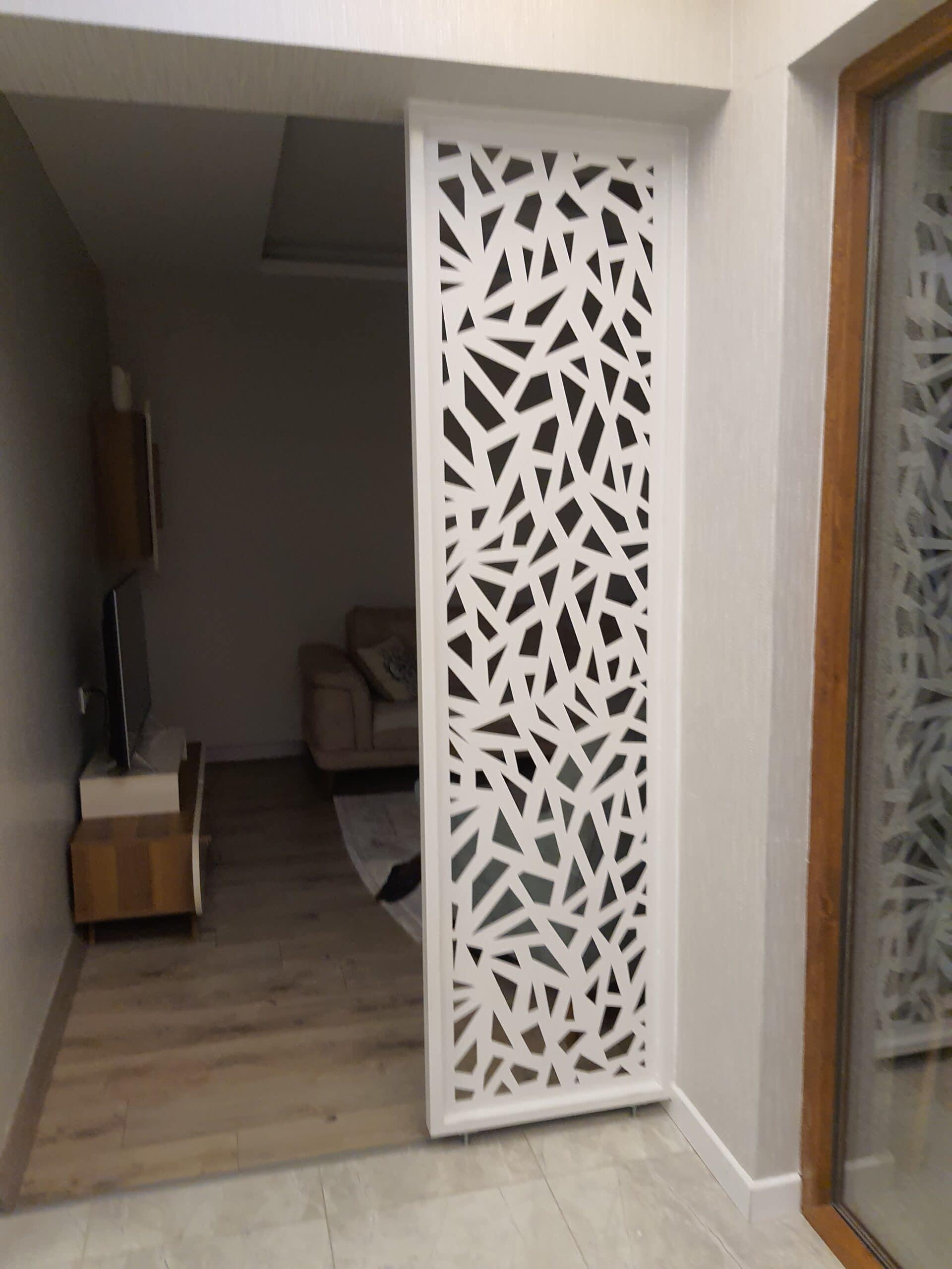 Ev içi dekorasyon metal lazer kesim seperatör çalışması